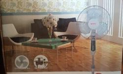 SONA 16' Stand Fan in really good condition. Fan is as