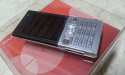 Selling Sony Ericsoon T700 @ S$30. Come with box,