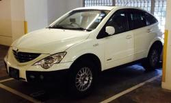 Ssangyong Actyon 2.3 with Sunroof. you can drive with