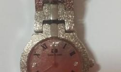 Selling a Stainless.Steel classy ladies watch. Need to