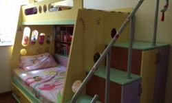 - Kids Bunk bed with 3 beds - 2 mattresses - In overall