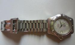 Hi Guys, i am selling my tag heuer 2000 watch. Good