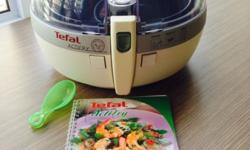 Tefal Actifry only used 4 times bought in UK comes with