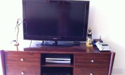very nice entertainment unit in very good condition.