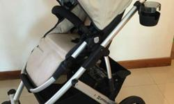 Selling a hardly used 8 month old Uppababy Vista.