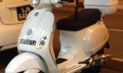 White Vintange Vespa LX 150 Very rare color Vespa for