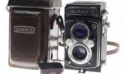 Vintage YASHICA-D Film 35mm TLR Camera with Leather