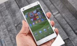 - White Sony Experia z3 compact - 2 Months old -