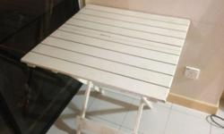 White Wooden table FOR SALE Available for collection