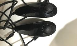 Selling 2 controller. Connect the Nintendo Wii Nunchuk