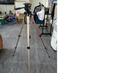 WTS camera tripod use less 3 times. Contact : 98521055