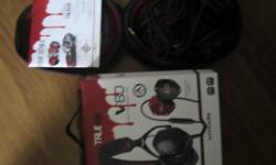 -LIKE new V-moda true blood V-80 head phones Noise