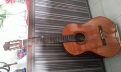 Yamaha Classical guitar Model CX40 in working
