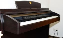 Yamaha Clavinova CLP-240 Excellent condition Come with